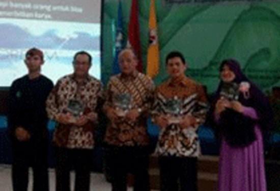 SM3T dan Bitread Isi Hari Guru di UPI Bandung